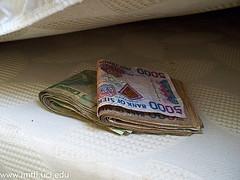 money-under-mattress
